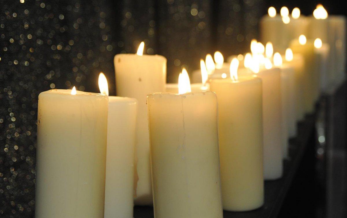 Lichterkette Zum Gedenken An Verstorbene Kinder